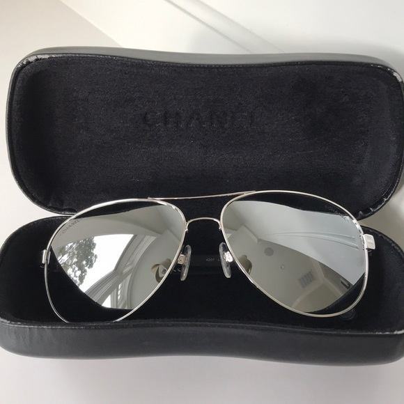 b46e594a6ad7 CHANEL Accessories - Chanel mirrored aviators